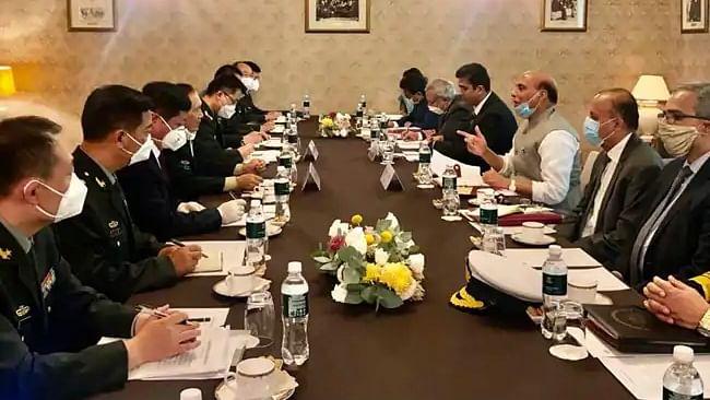 'ہم اپنی ایک انچ زمین نہیں چھوڑ سکتے' راج ناتھ سے ملاقات کے بعد چین کا بیان