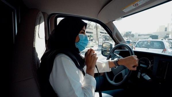 سارہ ال عنیزی: سعودی عرب کی خاتون ایمبولینس ڈرائیور