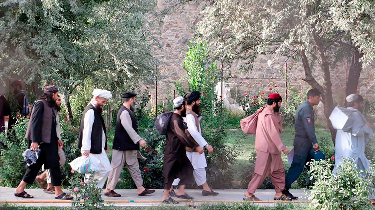 افغانستان میں طالبان کے آٹھ کمانڈروں کی رہائی