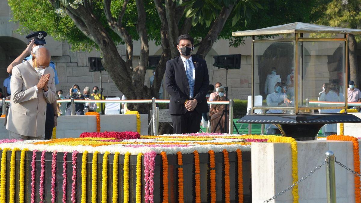 گاندھی جینتی: وزیراعظم، صدر، سونیا، راہل سمیت اہم شخصیات نے بابائے قوم کو یاد دیا