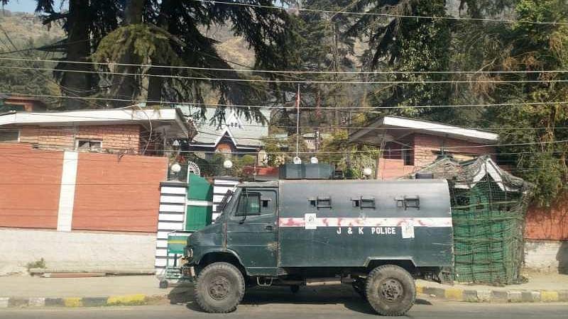 عید میلاد النبی: کشمیر انتظامیہ نے فاروق عبد اللہ کو حضرت بل جانے سے روکا، محبوبہ کا اظہارِ تشویش