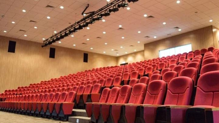کورونا وائرس: 15 اکتوبر سے کھلیں گے سنیما گھر