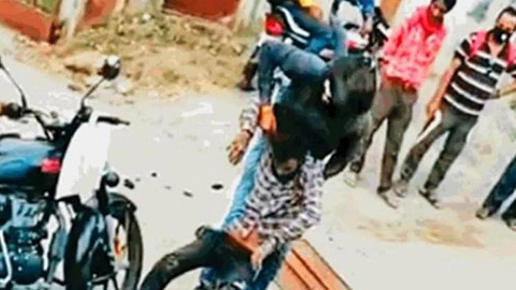 مدھیہ پردیش: جبل پور میں آٹو ڈرائیور کی بے دردی سے پٹائی، ویڈیو سوشل میڈیا پر وائرل