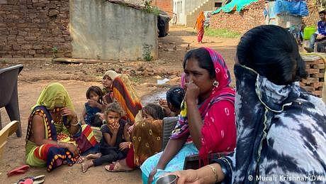 بھارت: 'جسم فروشوں کا گاؤں' ڈیجیٹل مہارت کی جانب گامزن