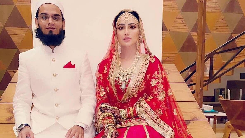 ثناء خان اپنے شوہر مفتی انس کے ساتھ / تصویر بشکریہ انسٹاگرام