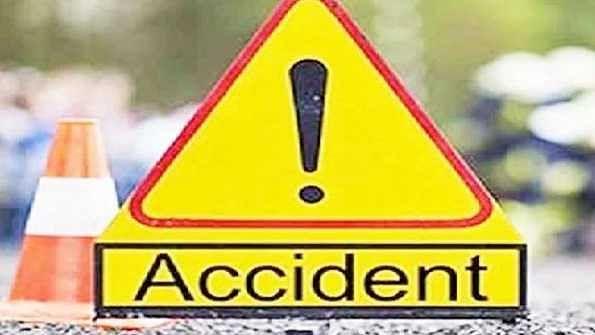 اہم خبریں: گوپال گنج میں بس پلٹنے سے 12 مسافر زخمی
