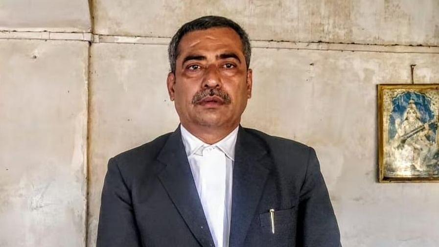 اناؤ عصمت دری کیس: کلدیپ سینگر کے خلاف کیس لڑنے والے وکیل کا انتقال