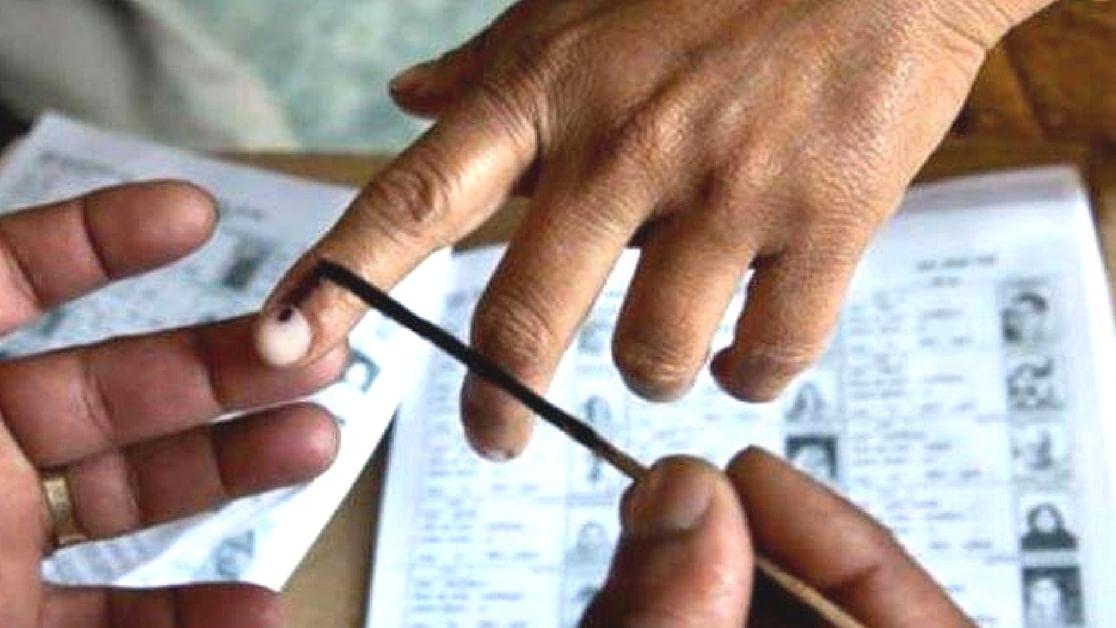 گجرات میں 8 اسمبلی سیٹوں پر ضمنی انتخابات  کے لئے ووٹنگ شروع