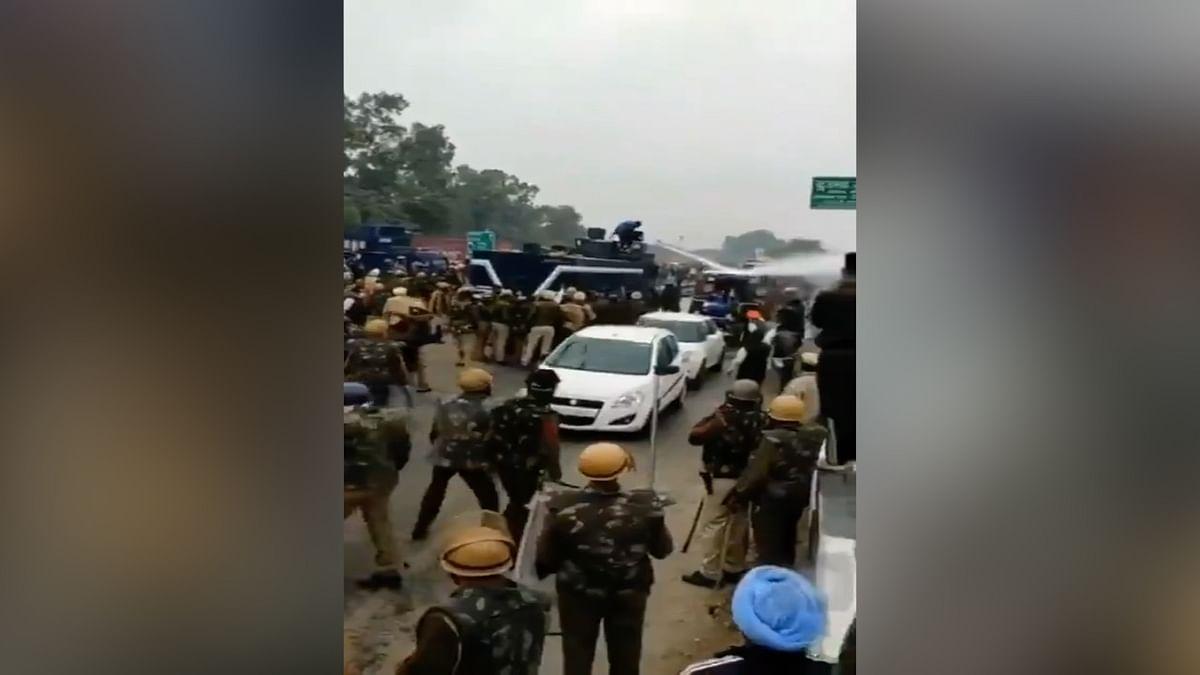 کسان تحریک: گاڑی پر چڑھ کر 'واٹر کینن' بند کرنے والے نودیپ پر قتل کی کوشش کا کیس درج
