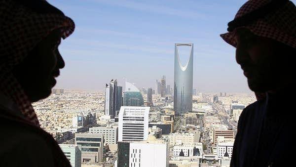 سعودی عرب: شہریوں کی کم سے کم اُجرت 4000 ریال تک بڑھانے کا اعلان / العربیہ ڈاٹ نیٹ