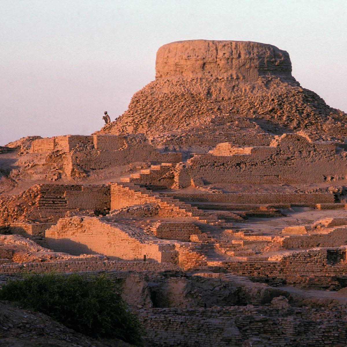 پاکستان: وادی سندھ میں موہن جودارو کے آثار قدیمہ کے مقام کا گڑھ / Getty Images
