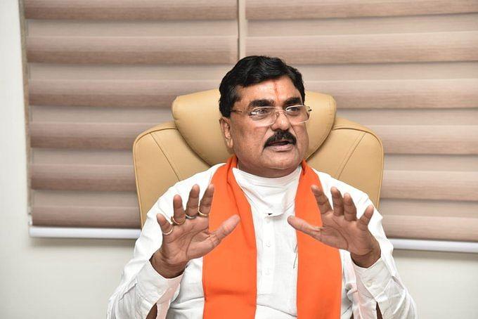 مدھیہ پردیش کے وزیر زراعت نے بھی کسانوں کو کہہ ڈالا 'غدار-دلال'