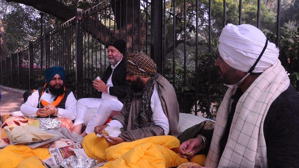 کسان تحریک: دہلی کے جنتر منتر پر پنجاب کانگریس کے ممبران پارلیمنٹ کا احتجاج جاری