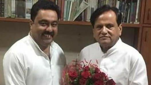 احمد پٹیل کے ساتھ مرزا جاوید علی (فائل تصویر)