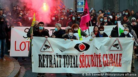 'انسداد اسلامی شدت پسندی بل'، فرانس میں مظاہرے