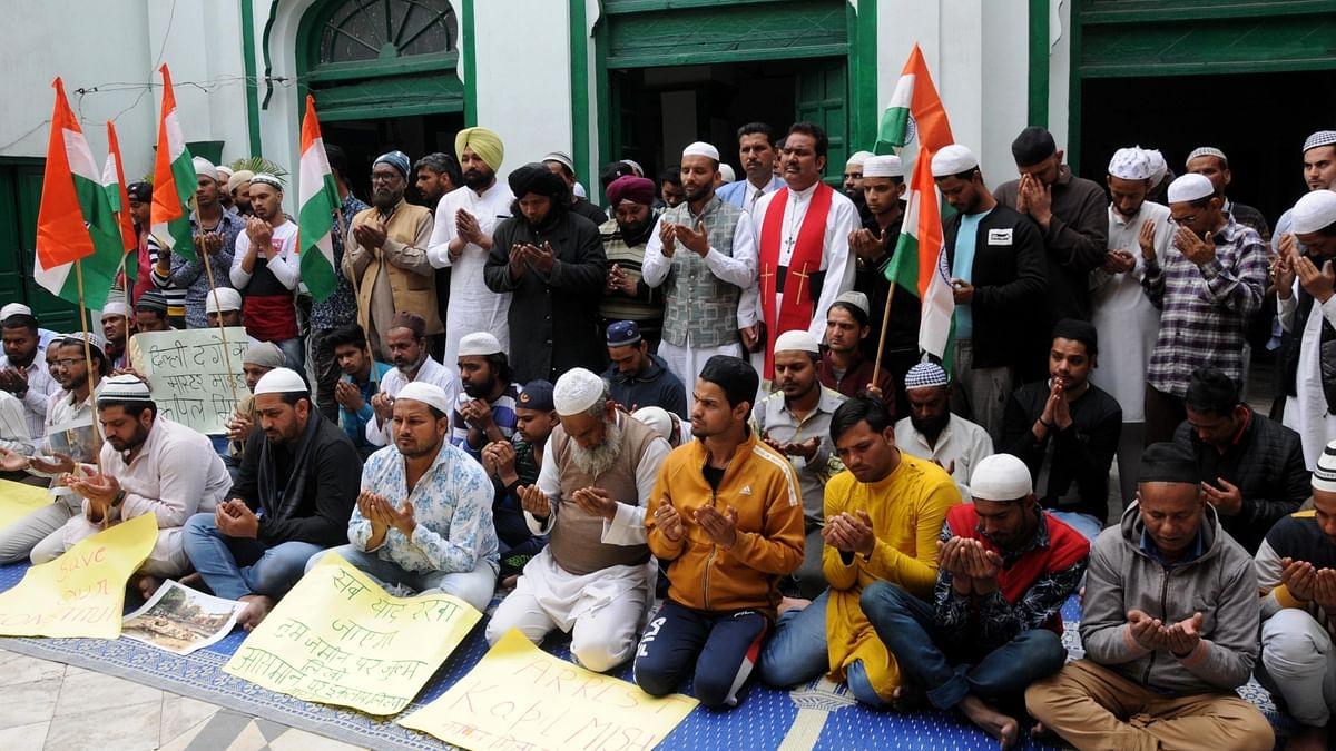 سنبھل جاؤ مسلمانوں، مصیبت!... نواب علی اختر