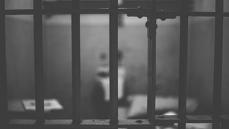 اتر پردیش: کورونا بحران کے باوجود جیلوں سے رہا قیدیوں کی ہو رہی واپسی، کئی قیدی لاپتہ