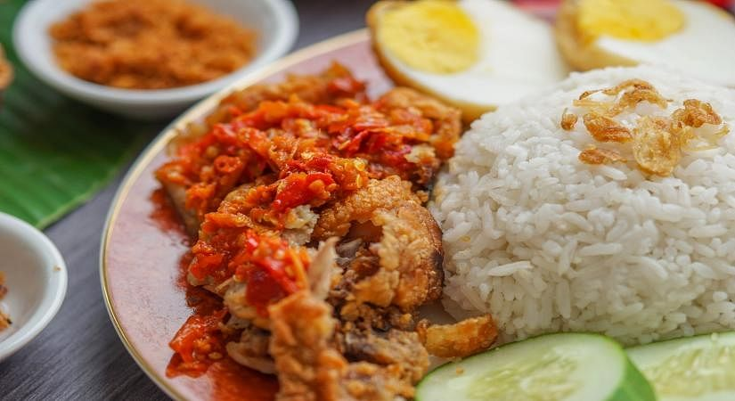 'گجرات ماڈل' کی پھر کھلی قلعی، کورونا بحران میں 21 فیصد لوگ ایک وقت کے کھانے سے بھی محروم!