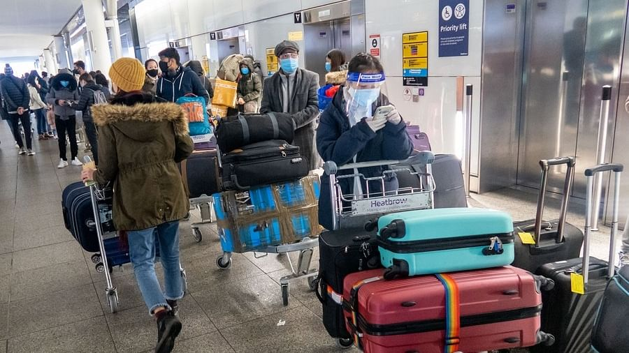 سوئٹزرلینڈ میں سینکڑوں برطانوی سیاح قرنطینہ سے غائب ہو گئے
