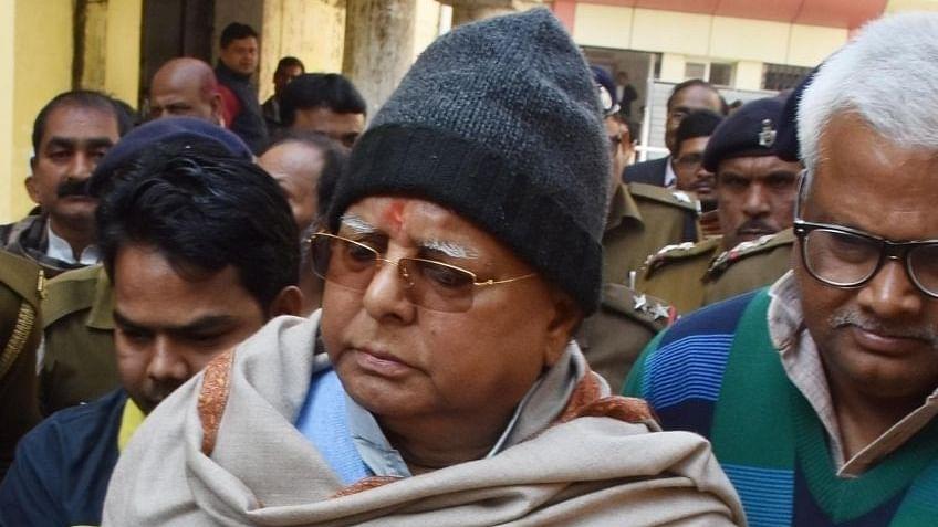 لالو پرساد نے فیس بک پر لکھی 'راجہ اور پرجا' کی کہانی، خوب ہو رہا وائرل، آپ بھی پڑھیے...