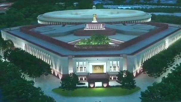 پارلیمنٹ کی نئی عمارت کا سنگِ بنیاد آج رکھیں گے پی ایم مودی، تعمیر پر سپریم کورٹ نے لگائی ہے روک