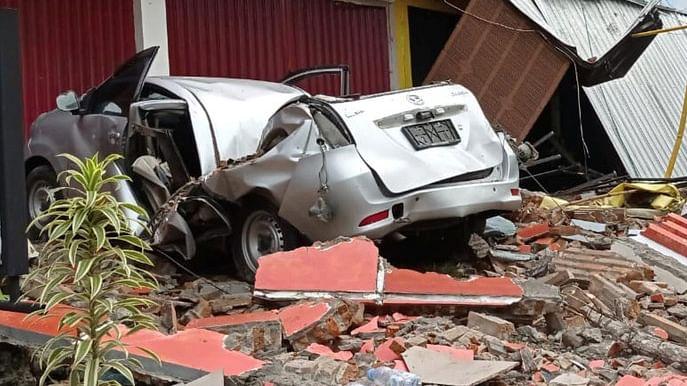 انڈونیشیا میں زلزلہ: 26 افراد ہلاک، زمین بوس ہسپتال کے ملبے میں متعدد افراد محصور