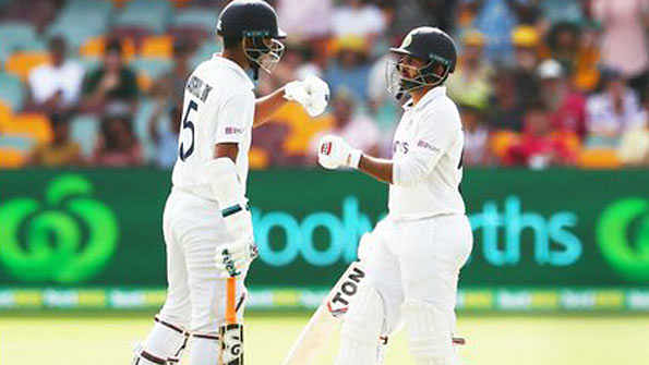 برسبین ٹیسٹ: سندر اور ٹھاکر نے فیصلہ کن مقابلے میں آسٹریلیا کو بڑی سبقت حاصل کرنے سے روکا