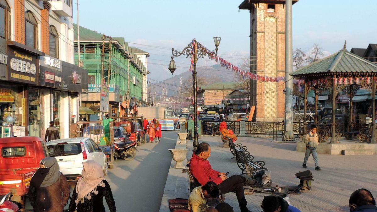 سری نگر میں گزشتہ جمعہ کو یک روزہ ہڑتال کے بعد معمولات زندگی بحال