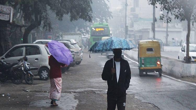 دہلی میں ہوئی بارش نے کیا سردی میں مزید اضافہ