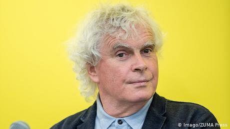 برطانوی موسیقار سر سائمن ریٹل کا جرمن شہریت کے حصول کا فیصلہ