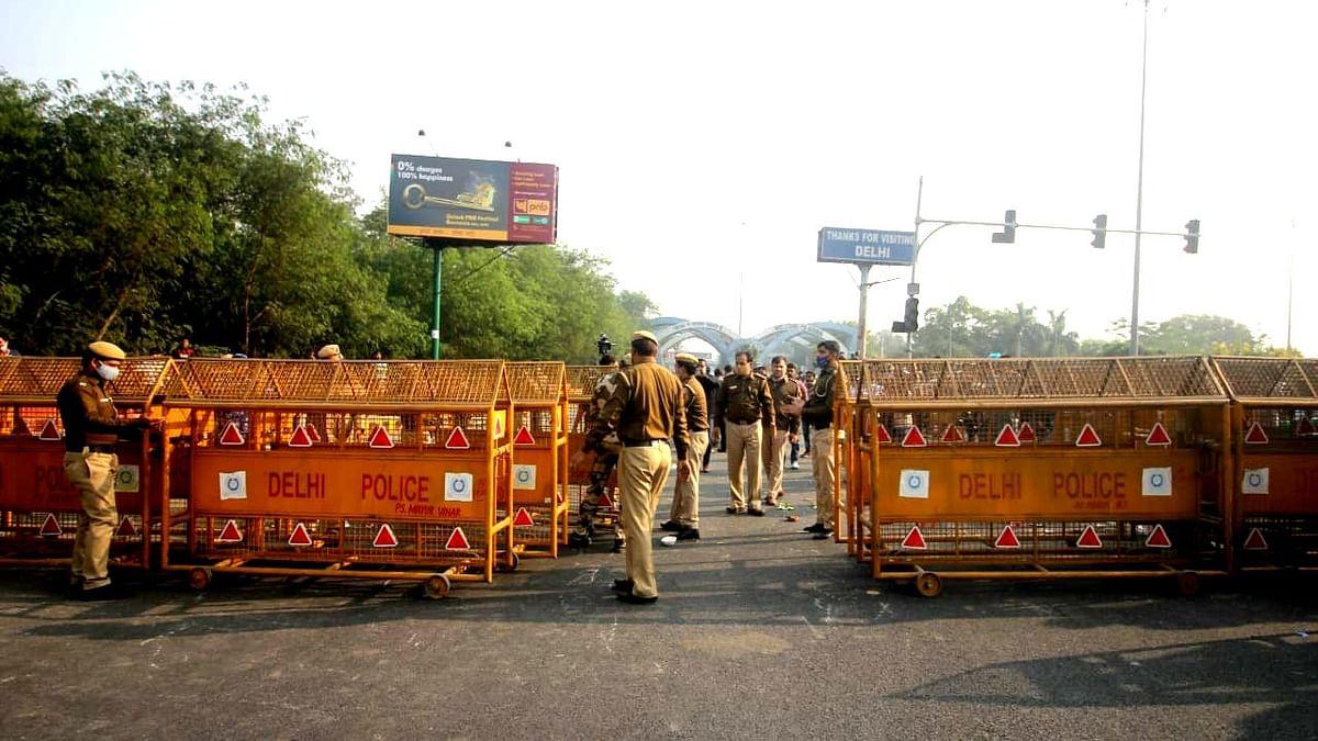 کسان تحریک: دہلی پولس نے کی کسانوں سے تشدد کا راستہ چھوڑنے کی اپیل