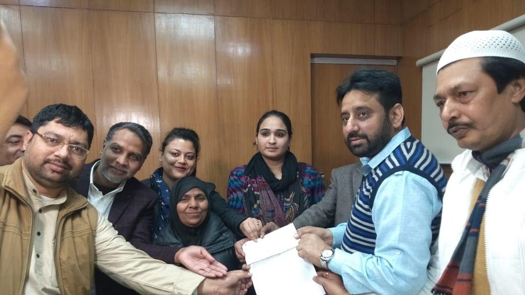 دہلی وقف بورڈ میں 11 ماہ سے رکی ہوئی تھی تنخواہ، امانت اللہ خان کے ہاتھوں آج ہوئی ادائیگی