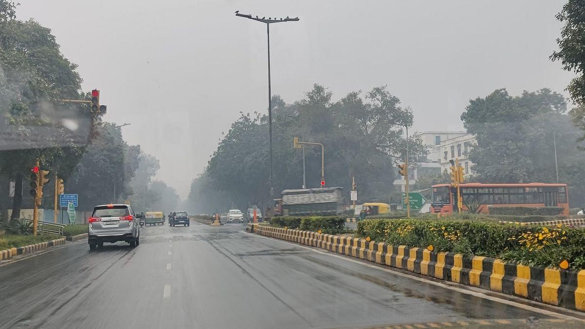 دہلی اور این سی آر کے متعدد علاقوں میں ہوئی بارش، اب سردی بڑھنے کا امکان