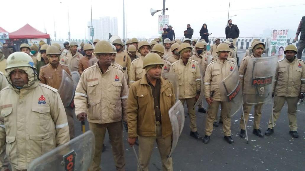کسان تحریک: غازی پور بارڈر چھاونی میں تبدیل، پولیس کی بڑے ایکشن کی تیاری