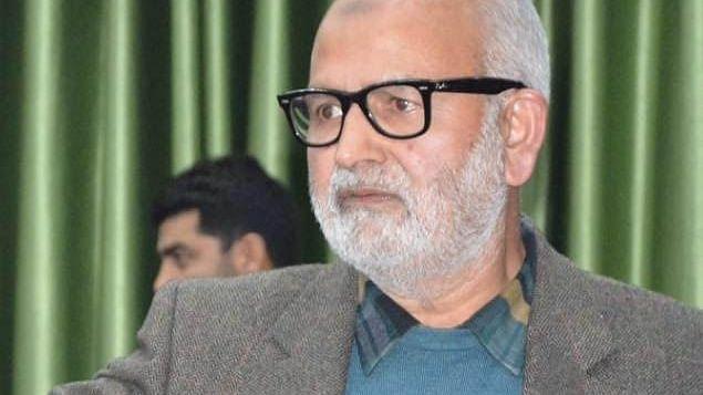 کشمیر: نظربند سینئر پی ڈی پی لیڈر نعیم اختر علیل، اسپتال منتقل