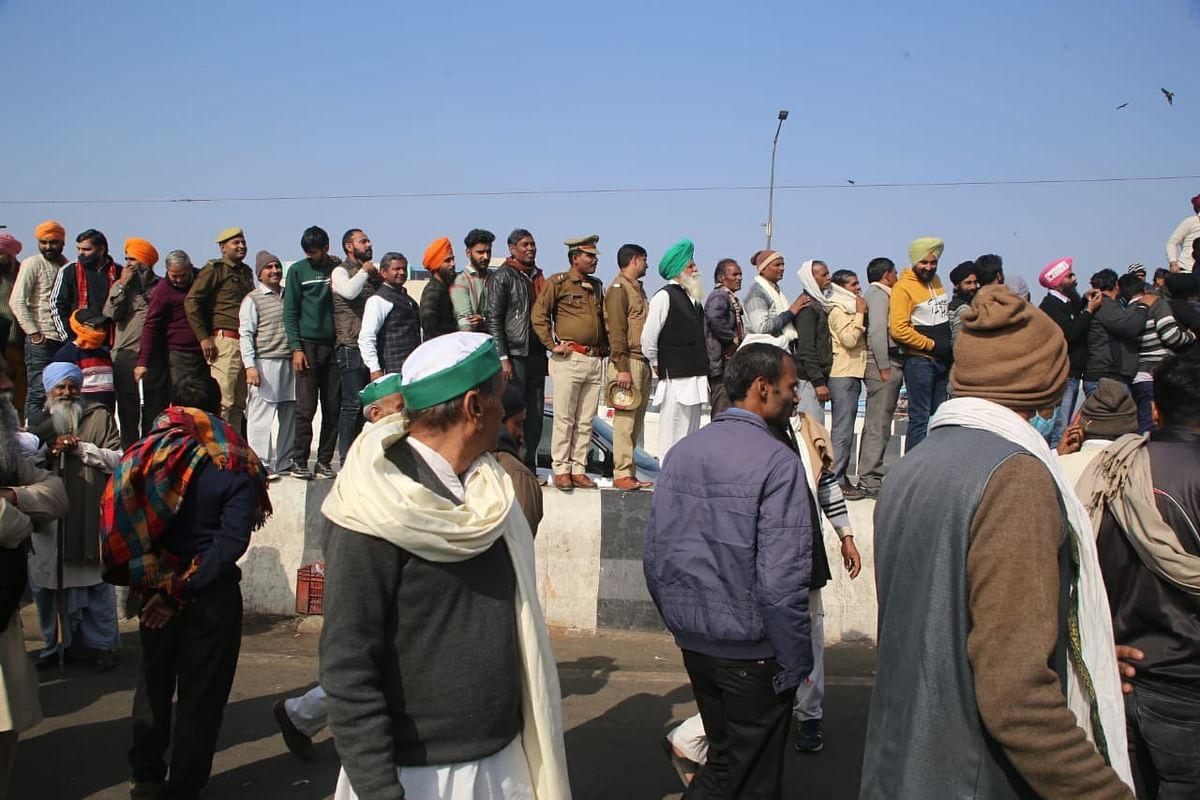 غازی پور بارڈر: ایک جانب کسان اور حکومت کے مابین کشتی جاری، دوسری جانب پہلوان دکھا رہے ہیں کشتی کے جوہر