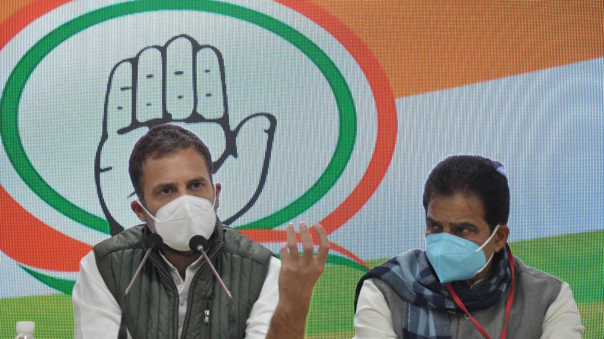 وزیر اعظم مودی کو کسانوں سے جلد از جلد بات کرنی چاہئے، راہل گاندھی کا مطالبہ