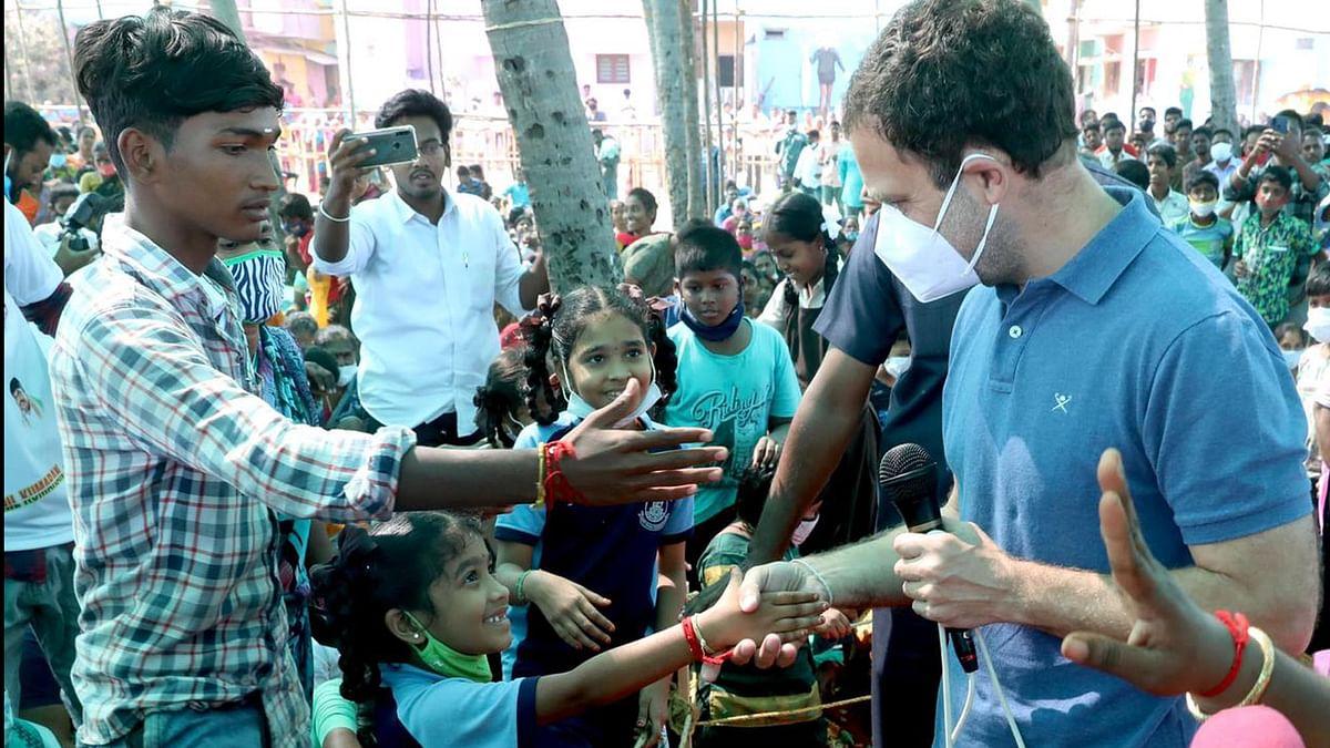 پدوچیری میں راہل گاندھی کا ماہی گیروں سے مکالمہ، کہا- 'زرعی قوانین ہر کسی کے لیے نقصان دہ'