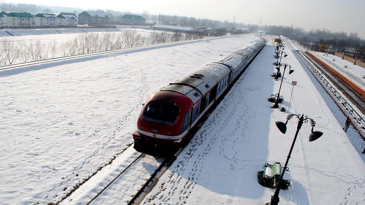 کشمیر: ریل خدمات 11 ماہ بعد 22 فروری سے جزوی طور پر بحال کرنے کا فیصلہ