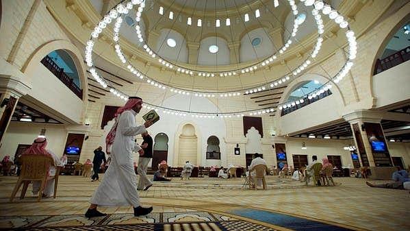 سعودی عرب: 44 مساجد نمازیوں کے لیے دوبارہ کھولنے کی ہدایت