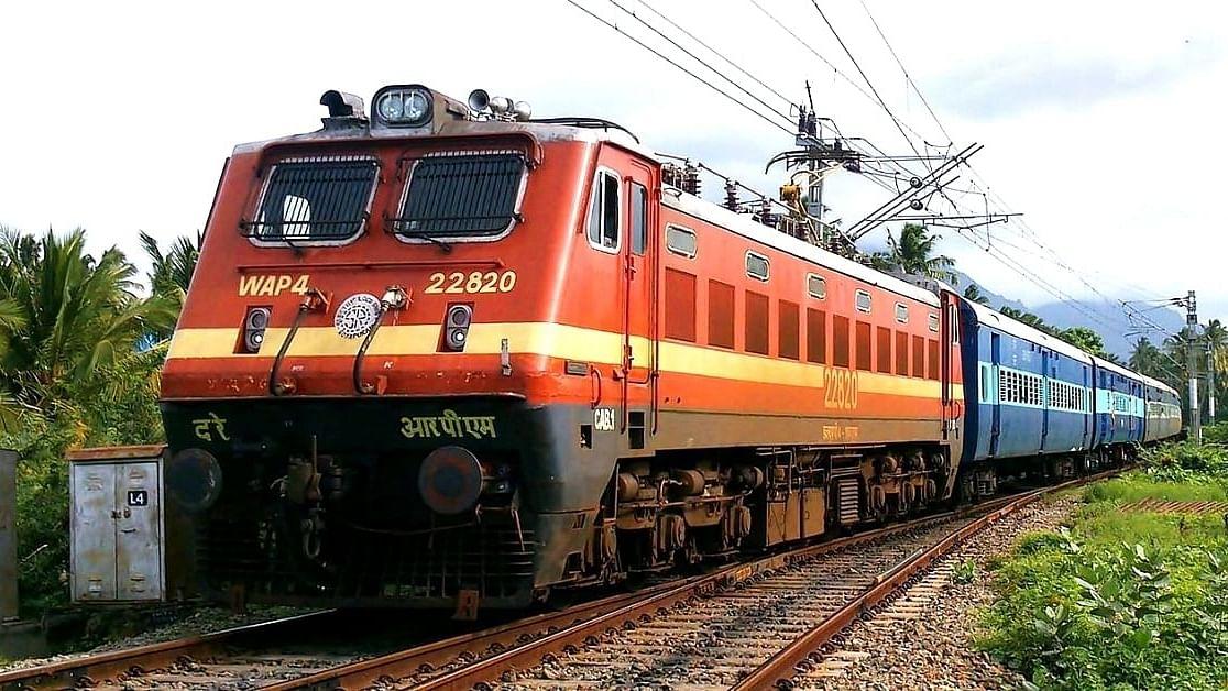 احمدآباد سے چلنے والی کچھ اسپیشل ٹرینیں منسوخ رہیں گی
