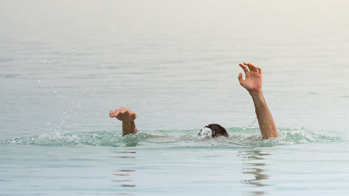 حیدرآباد میں وارنسی کے 2 ڈاکٹرس تالاب میں غرق، خودکشی یا حادثہ؟