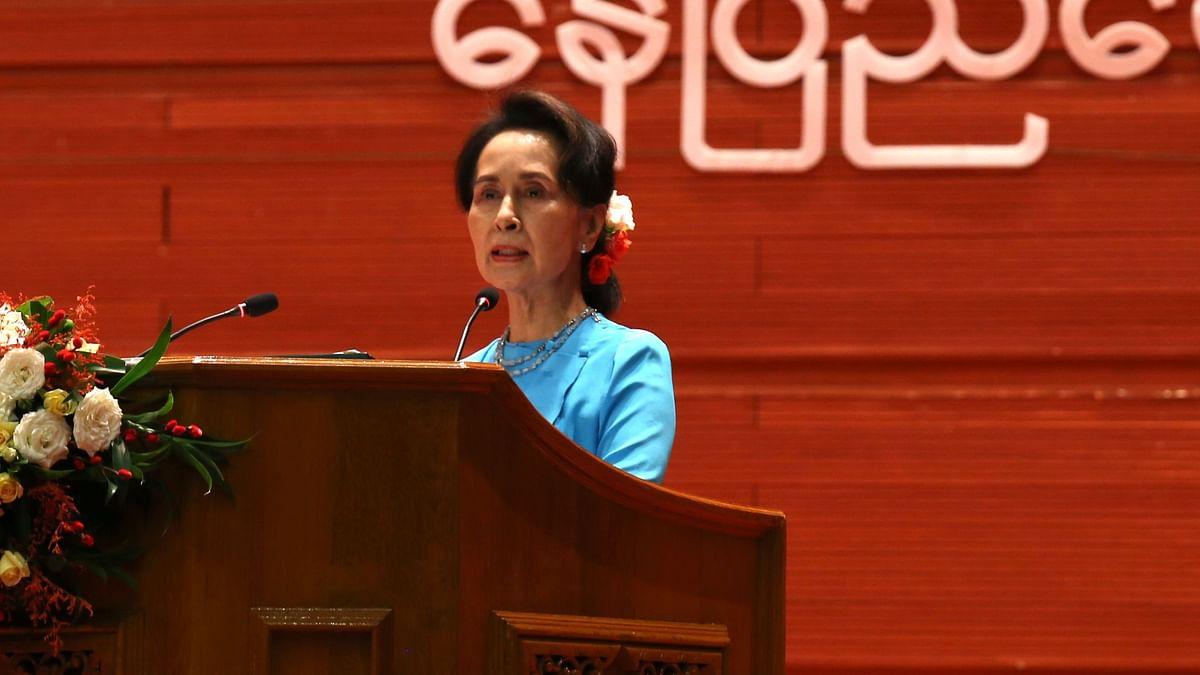 فیس بک نے میانمار فوج کے تمام پلیٹ فارمز پر پابندی عائد کردی