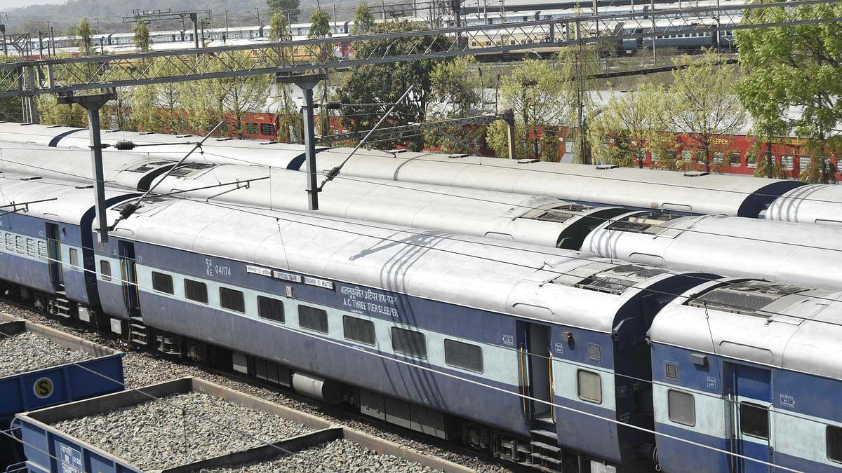 کسان تحریک: بھارت بند کی وجہ سے ریل سروس متاثر