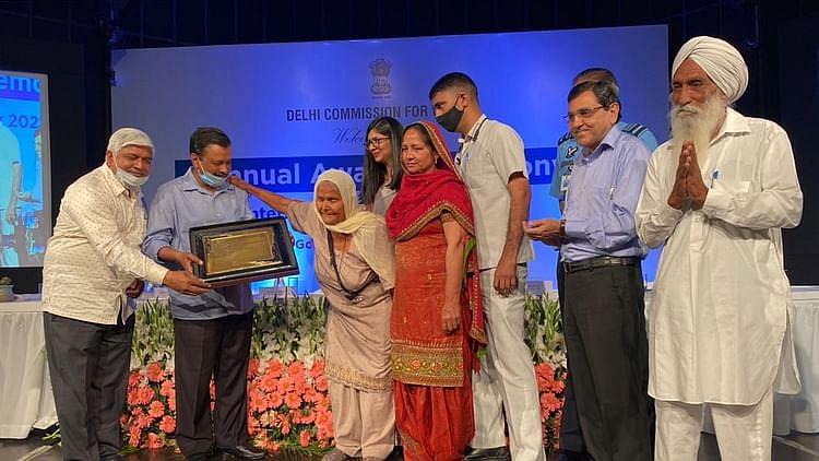 کسان تحریک میں شامل 80 سالہ 'دادی' موہندر کور کو ملا ایوارڈ