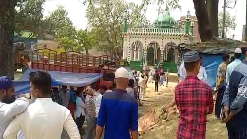 بارہ بنکی: مسجد میں داخلہ اور نماز پڑھنے پر پابندی سے تنازعہ، مشتعل ہجوم اور پولیس میں جھڑپ، 6 گرفتار