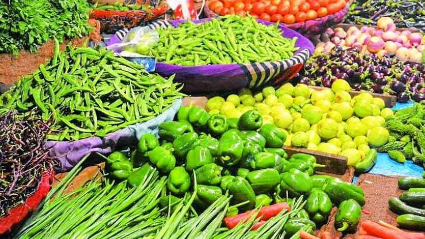 الور میں ایجنٹوں کی ہڑتال کے سبب کسانوں نے سبزی سڑک پر فروخت کی