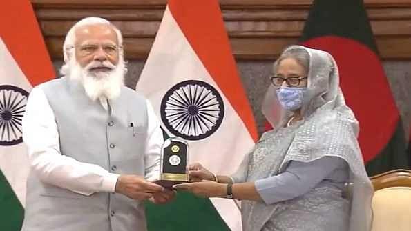 اہم خبریں: ہندوستان اور بنگلہ دیش کے درمیان 5 اہم معاہدوں پر دستخط