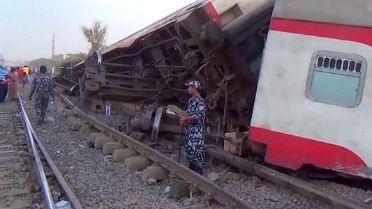 مصر میں ٹرین کے پٹری سے اترنے سے 11 کی موت، 98 زخمی