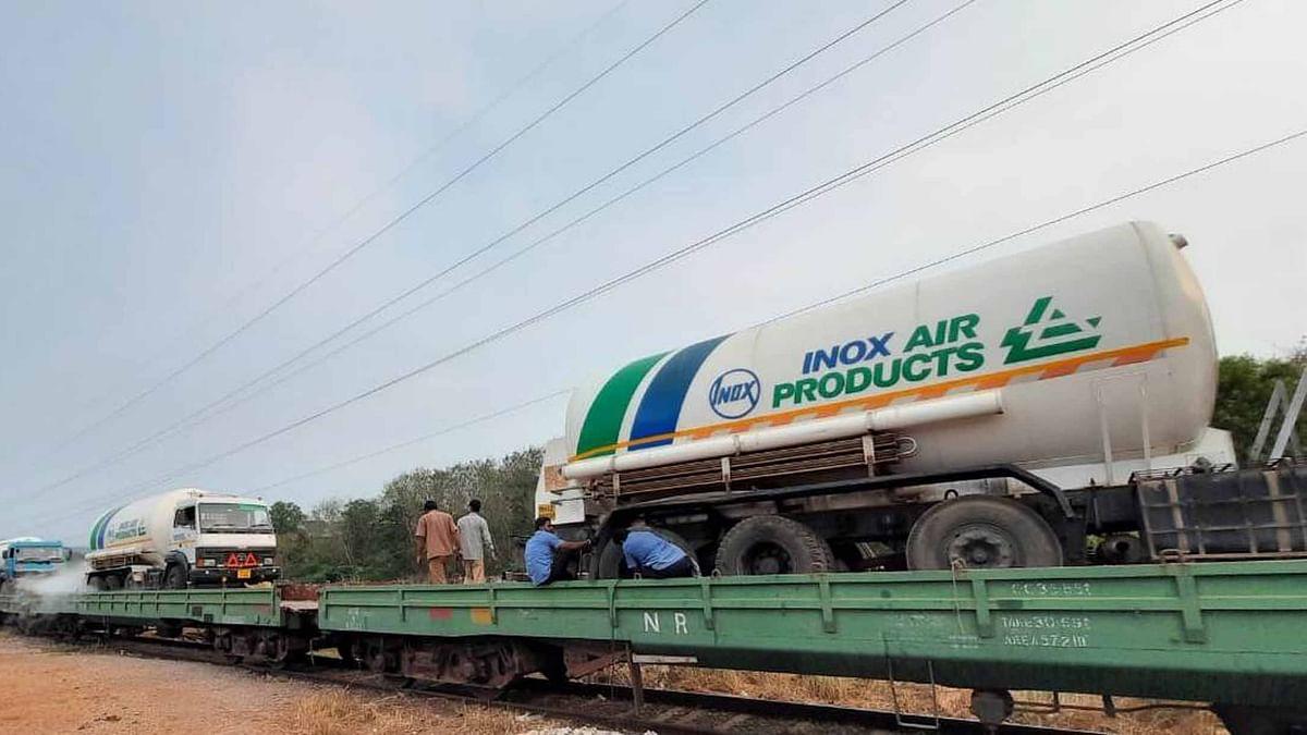 کورونا بحران: 70 ٹن آکسیجن لے کر 'آکسیجن ایکسپریس' دہلی پہنچی